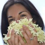 Using Elderberry Blossoms PLUS 5 Sure-Smile Summer Recipes